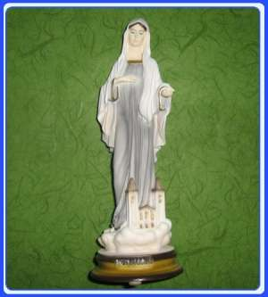 GKM022 Statue – Our Lady Queen of Peace – Medjugorska Gospa